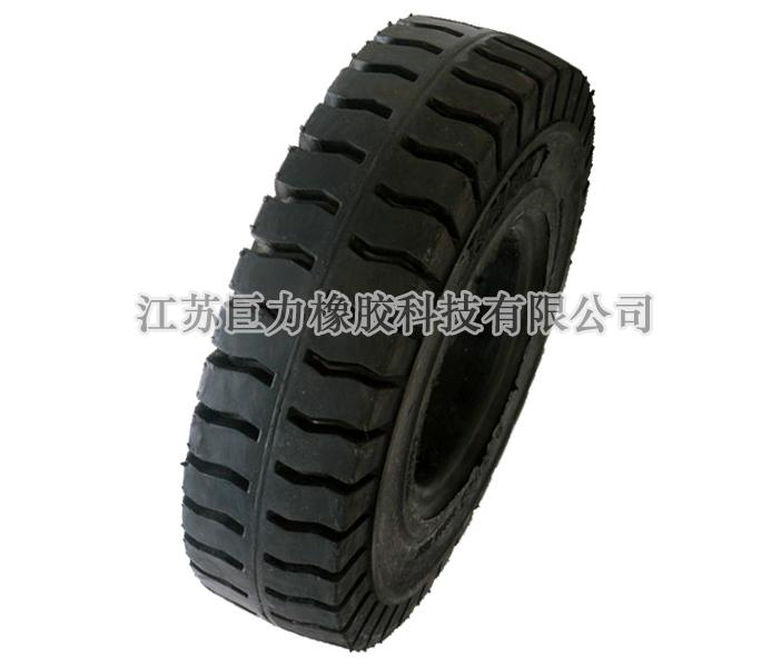 充气式实心轮胎